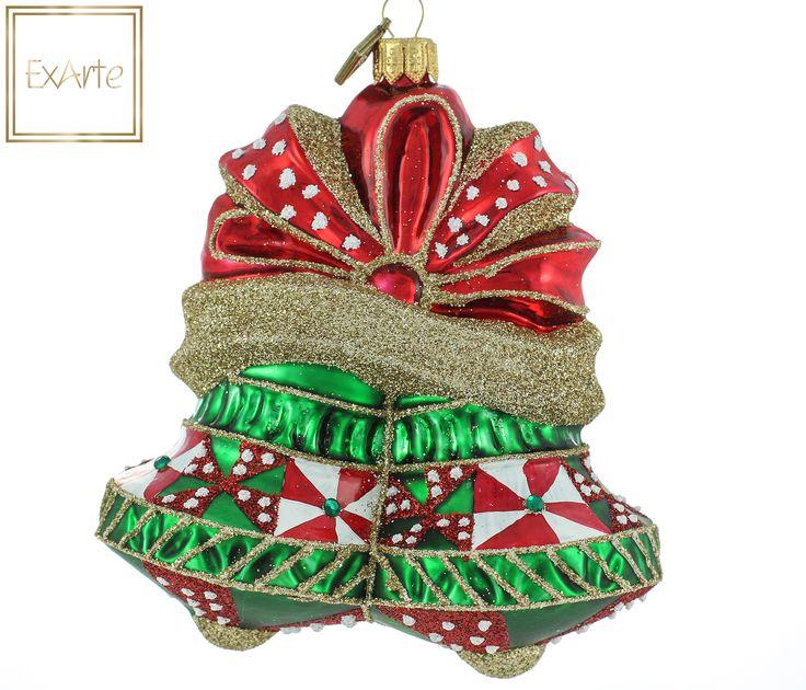 Polish, hand crafted glass christmas tree ornaments.  Szklane, ręczne malowane bombki choinkowe.  Czerwone bombki choinkowe: Para  świątecznych zielonych dzwonków, połączonych błyszczącą czerwoną kokardą. Dzwonki ozdobione biało-czerwonym wzorem i zielonymi kamykami. Całość podkreślona migotliwym złotym brokatem..  A pair of Christmas green bells, tied with shiny red bow. Bells decorated with white-and-red pattern and green stones. Highlighted by the flickering gold glitter.