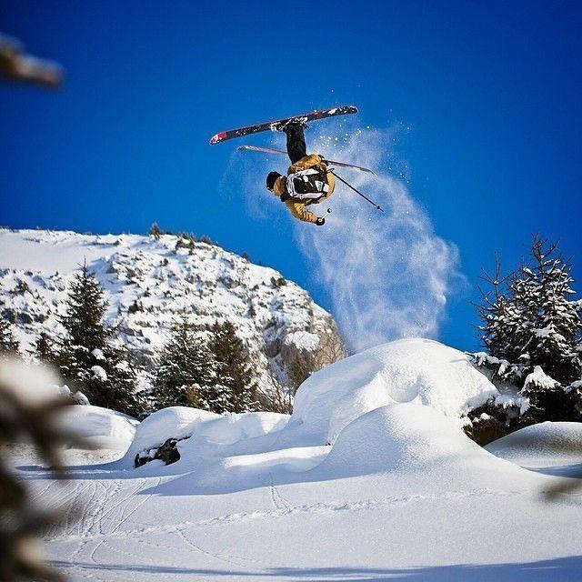 Skiing is my happy place !! Have a nice weekend! *** credit to @gnar_ski  #winterpark #loveland #gloves #warmsocks #fahrenheit.ai #AIBioEngineered #inthenameofwinter #winter #nightmare #mountains #wintermountains #wintersports #wintertime #lifestyle #allthingswinter #ice #ski #skiing #skating #climbing #playoutside #ice #freeski #wintersports #fitness #skitouring #perfectshot #follow #like #snow #picoftheday