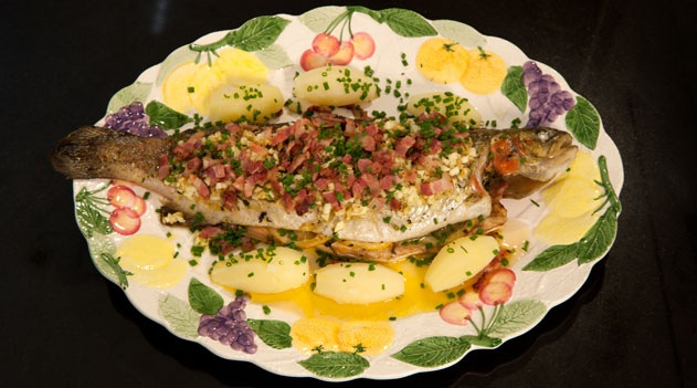 Baked trout with herbs and bacon  recipe (truite rôtie aux herbes et lardons)