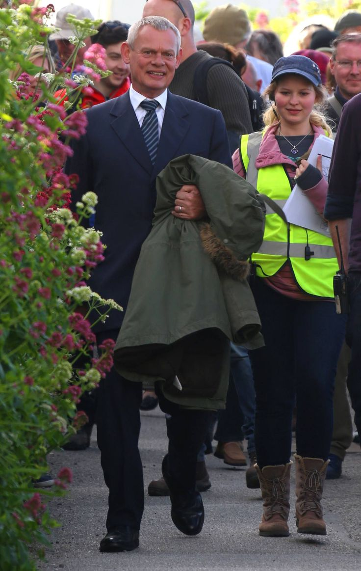 Doc Martin Season 6 | The Doc arriving on sets