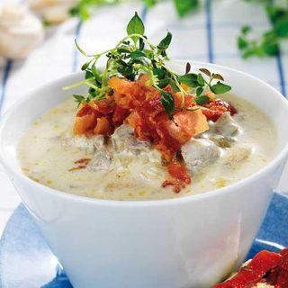 Värmande soppa med härliga örter.