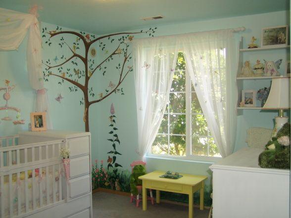Oh goodness, I think I might be drifting away from my original Hello Kitty theme... -fairy nursery