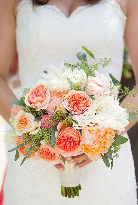 The 50 Mistakes Brides Always Make: Carry an Appropriate Bouquet
