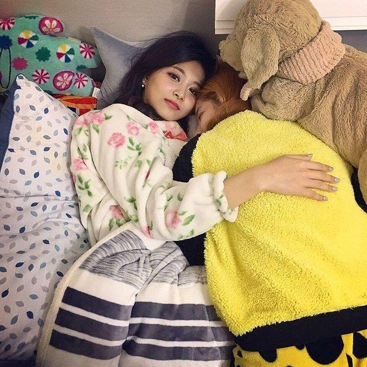 #HappyDahyunDay  Happy Birthday my dubunieee  [@kdxhyun_ ] -  Follow  @momohiraiss  #Tzuyuss #Momohiraiss #Sana_site - @twicetagram #Tzuyu #ChouTzuyu #子瑜 #周子瑜 #쯔위 #초쯔위 #Twice #Once #Nayeon #Sana #Dahyun #Momo #Jihyo #Mina #Chaeyoung #Jeongyeon #트와이스  #JYP #JYPentertainment #OneInAMillion