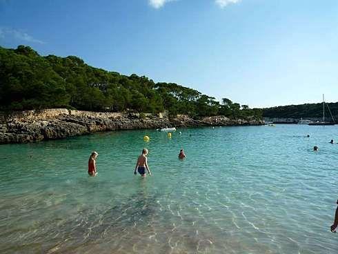 http://www.seemallorca.com/beaches/cala-mondrago-beach-mallorca-cala-d'or-660967