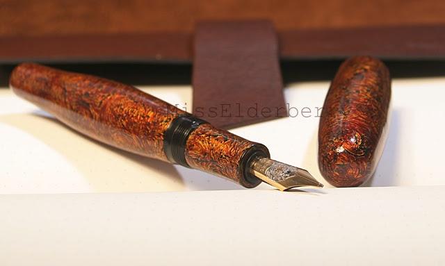 Danitrio Mae West fountain pen in kawari-nuri Urushi.
