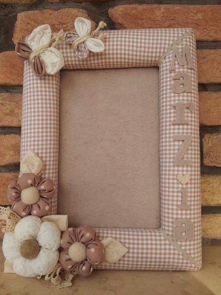 porta-fotos forrado de tela con flores de tela - cornice portafoto rivestita di stoffa con fiori e farfalle