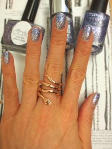 ♥: Vogue Editor, Nailsth Rings, Teen Vogue, Glitter Nails, Snakes Rings, Glitter Shadow, Nails Polish, Ombre Nails, Sparkly Nails