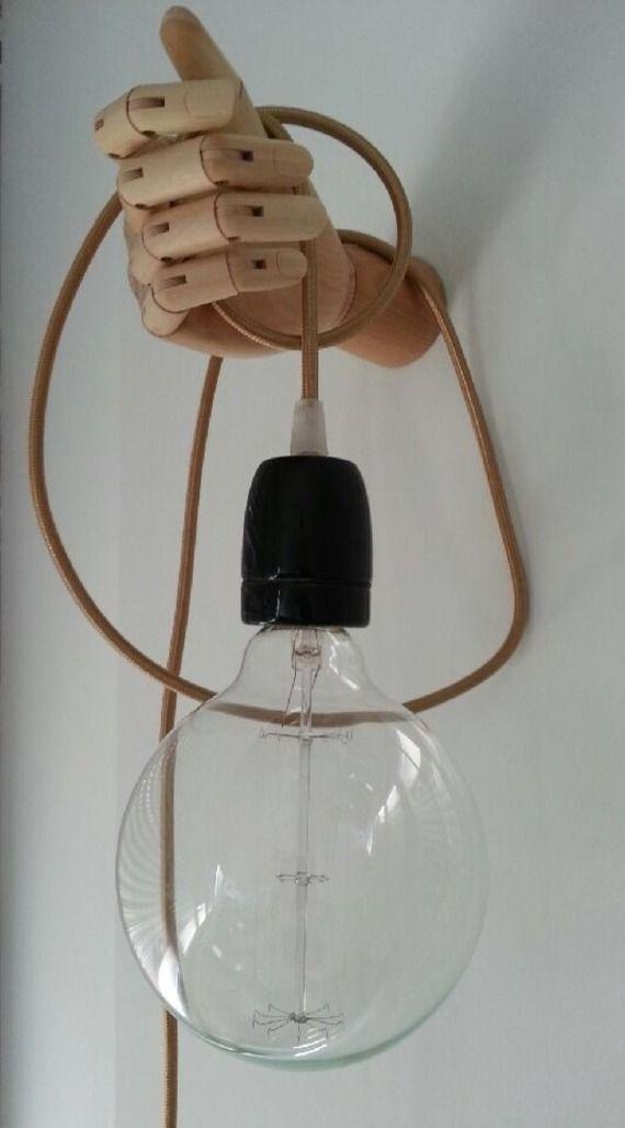 applique luminaire originale et design avec support en bois