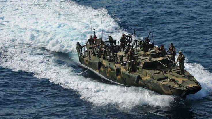 L'Iran appréhende deux navires de la Marine américaine dans ses eaux territoriales