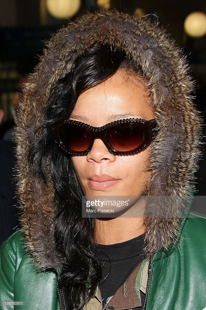 Singer Rihanna is sighted arriving at Airport Roissy - Charles de Gaulle on November 17, 2012 in Paris, France.