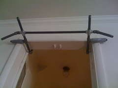 No Screws or Holes Pull-Up Bar/Door Gym
