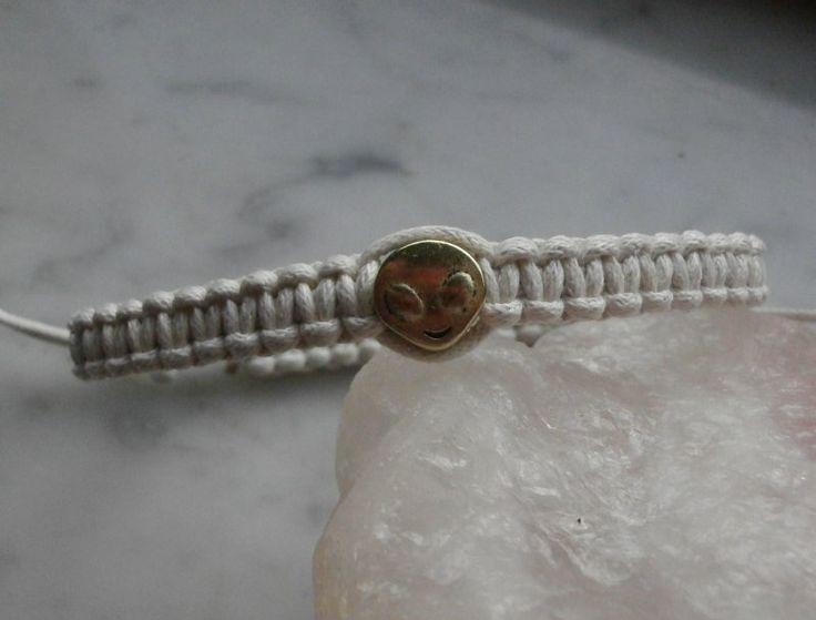 """braccialetto in cotone, stile shambala, macramè nodo quadrato, con charm """"alieno"""" : Braccialetti di gioielli-di-giada"""