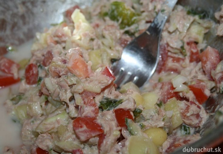 Dietný šalát s tuniakom