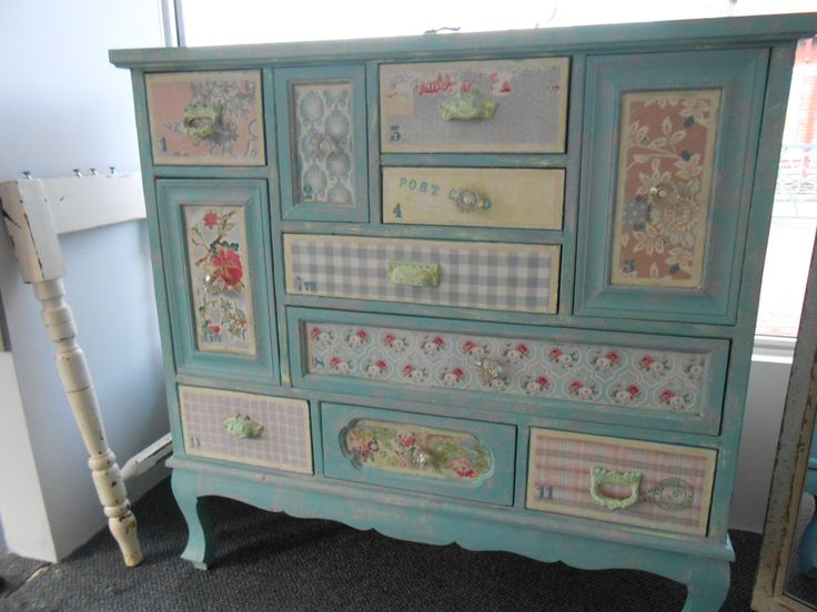 Just divine chest of unusual drawers, this piece came in very damaged, has had a complete re-build and re-do in Paloma, Provence and a little accent of  English Yellow mixed with Pure White some new knobs drawers all done inside in Henrietta. looks so very cute, finished in clear wax.
