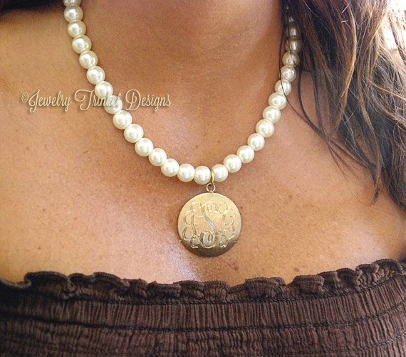 monogrammed brushed gold circle pendant preppy pearl