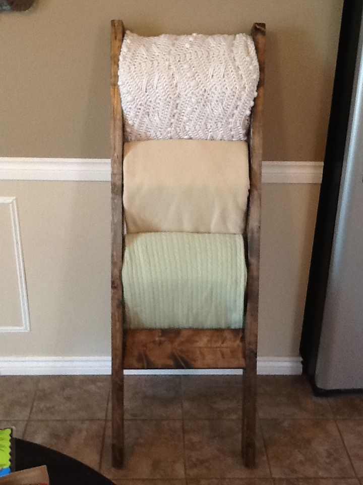 Chunky Blanket Ladder from My Newest Creations #craftyab (www.facebook.com/mynewestcreations)
