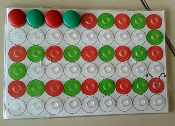 Algorithme à deux couleurs avec les pions du Maxicoloredo sous forme de chenille…