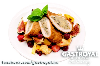 Cordon Bleu gyümölcsmártással   Várjuk a rendelésedet két óráig!