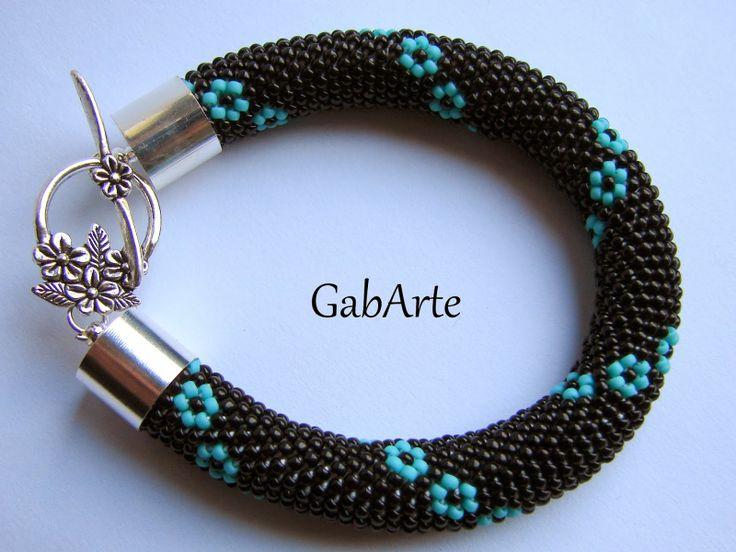GabArte: Koralikuję ...:)