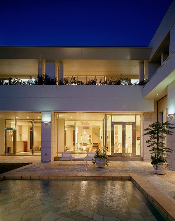 decor house 2 pretty design decor house lam nico van der meulen decor house フランスモダンの邸宅|建築実例|高級注文住宅│アーネストアーキテクツ | 水の演出【2019】 | House styles、Home Decor、 House