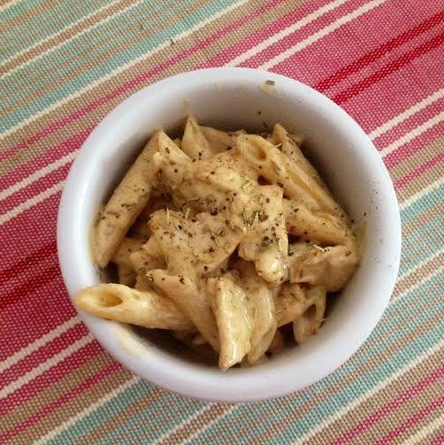 Questa pasta è una tradizione famigliare. La ricetta deriva dalla mamma di una cara amica che disse di averla mangiata in un qualche ristorante zona ferrara. Poi da molti anni si fa anche a casa mia.