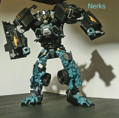 Ironhide Autobot DOTM Mechtech class 3, 2010 Hasbro. $45.00 CDN +ship.