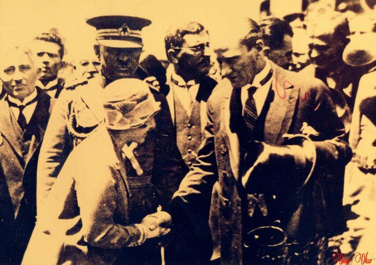 Mustafa Kemal Atatürk Balıkesir'de...(1933)