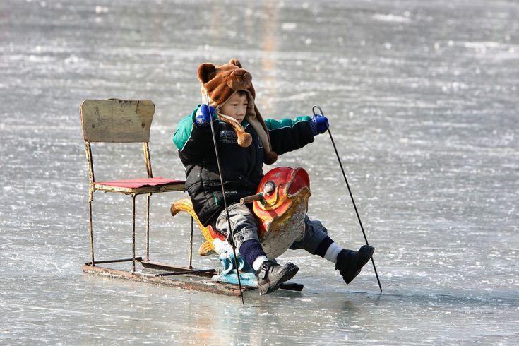 Winterzauber: zugefrorene Seen, hier und anderswo