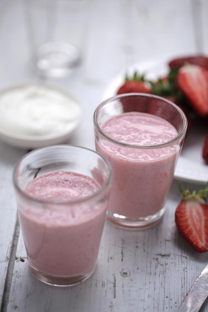 Banana Strawberries High Energy Breakfast Shake