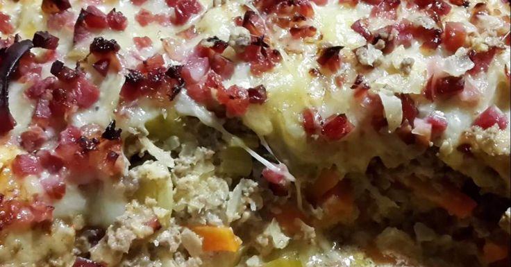Spitzkohl-Lauch-Karotten-Rinderhack Auflauf (low carb)