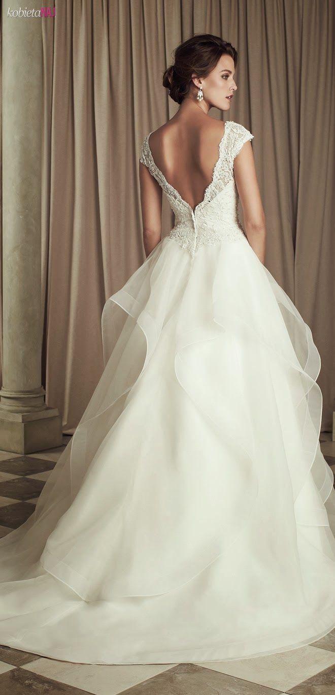 Cudowna suknia ślubna i odważne plecy - Zobacz koniecznie...