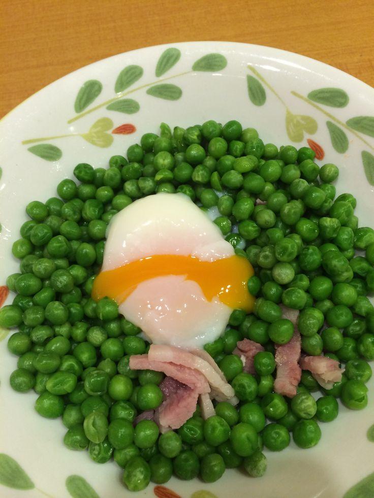 サイゼのとろり卵と青豆のサラダみたいなやつ。私の大好物ww