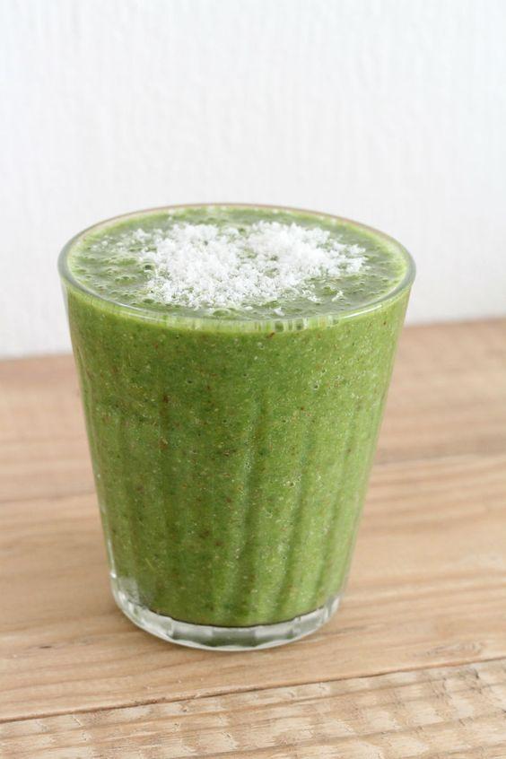 Groene smoothie met boerenkool clean eten challenge eetclean.nl