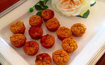 Mini Carrot Pecan Cupcakes