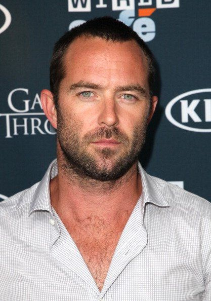 I do luv them rugged. Omg its like he straight out a dp novel. Yes gawd!!!!!   Sullivan Stapleton