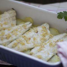 Lubina al Varoma con salsa de aceite, ajo y limón con Thermomix. TM5 (TM31) « Trucos de cocina Thermomix ༺✿ƬⱤღ http://www.pinterest.com/t