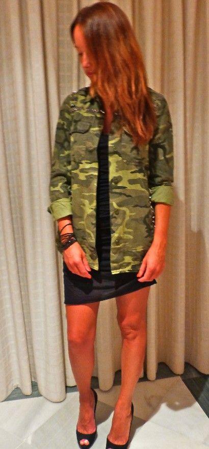 vestido de algodon de Zadig y pulsera negra de Swarovski