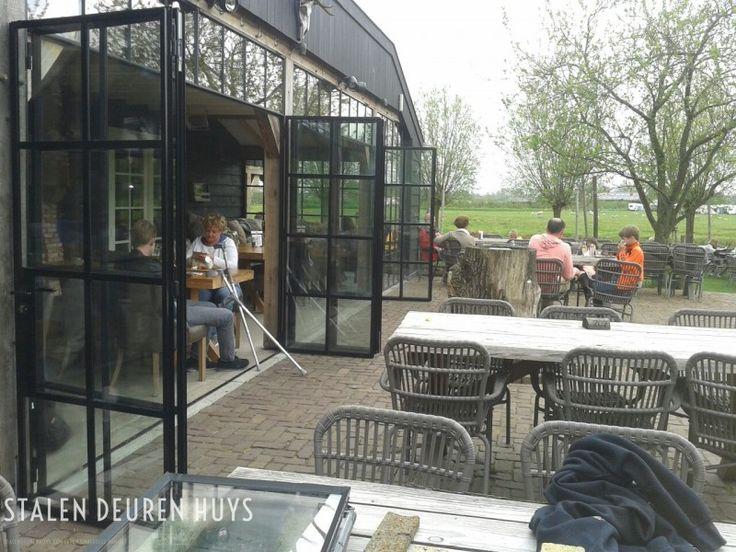 Terras afdichting met stalen deuren en ramen project Het Ruiterhuys
