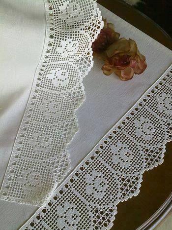 viền khăn bàn