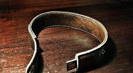 wearable usb; oriko leather usb armband