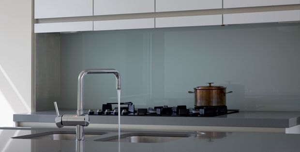 Achterwanden   Glazz Interiors   gehard glas voor keuken en interieur