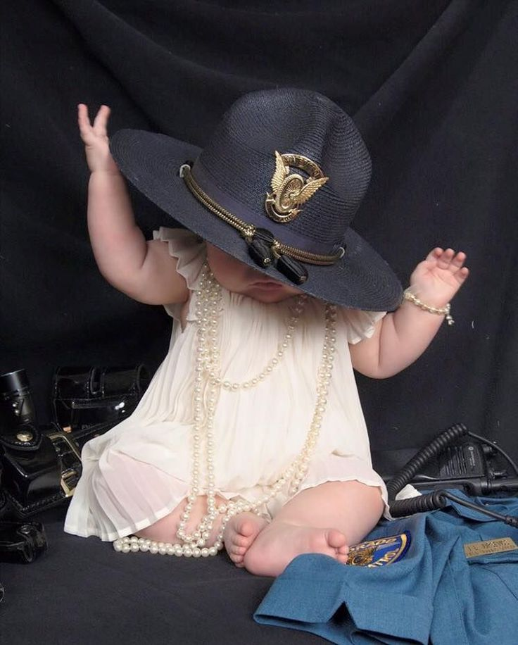 Photo of State Trooper's Baby Sends Powerful Message