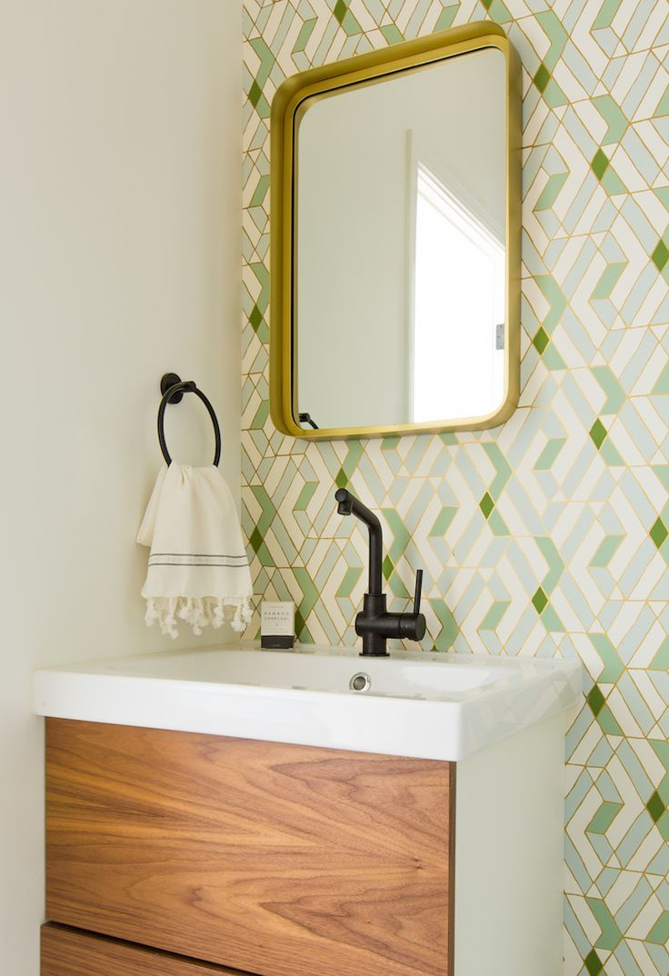 colorful patterned wall tile in the bathroom || midcentury bathroom style