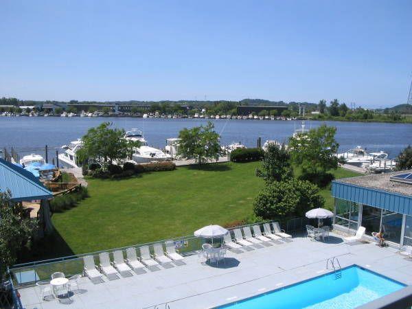 Dog Friendly Hotel Holiday Inn Grand Haven Spring Lake 940 W