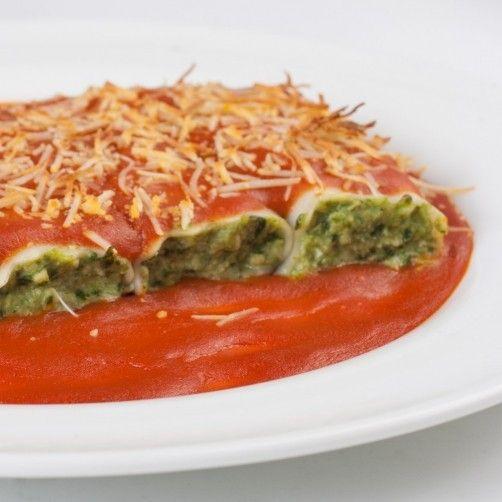 Canelones rellenos de pollo con espinacas para #Mycook http://www.mycook.es/receta/canelones-rellenos-de-pollo-con-espinacas/