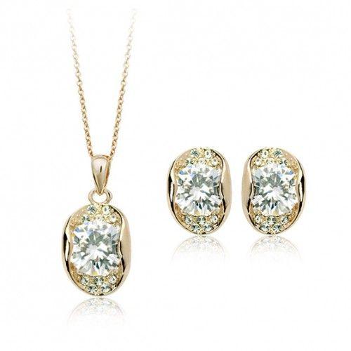 Set glamour de bijuterii placate cu aur, diamante austriece si elemente Swarovski Stellux, un set deosebit de fin si elegant potrivit pentru orice ocazie - www.bodyandbijoux.ro