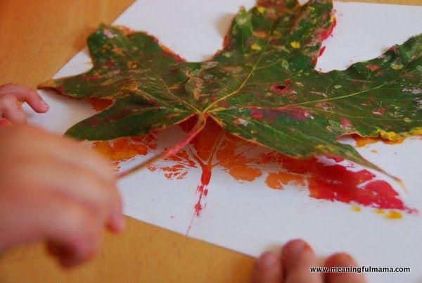 Okulöncesi Sanat ve Fen Etkinlikleri: Sonbahar Yaprak Baskı Çalışması