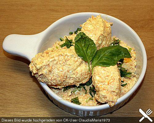 Brotaufstrich mit Karotten, Feta und Frischkäse