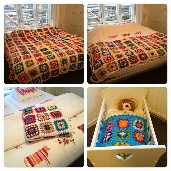 Crochet blanket, granny square, white. Gehaakte sprek, granny square, wit.